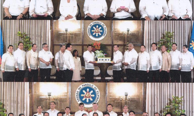 商總第三十二屆職員宣誓就職禮 在總統府由總統杜特地閣下監誓